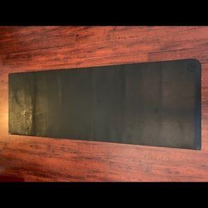 Lululemon travel yoga mat